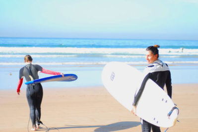 preparing for surfing course with he'e nalu surf school agadir