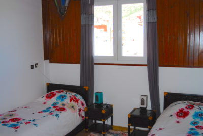 Twin room with direct access to terrace